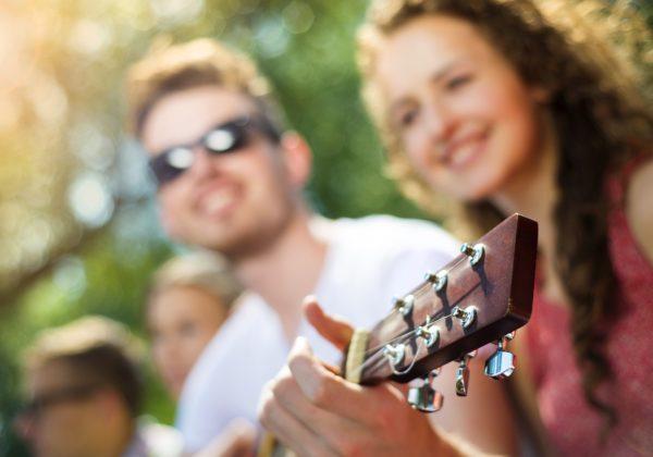 Mennyi idő egy hangszeren élményt szerezni – magunknak és környezetünknek?